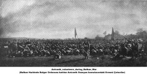 Antranik_volunteers_during_Balkan_War (Balkan Harbinde Bulgar Ordusuna katılan Antranik Ozanyan komutasındaki Ermeni Çeteciler)